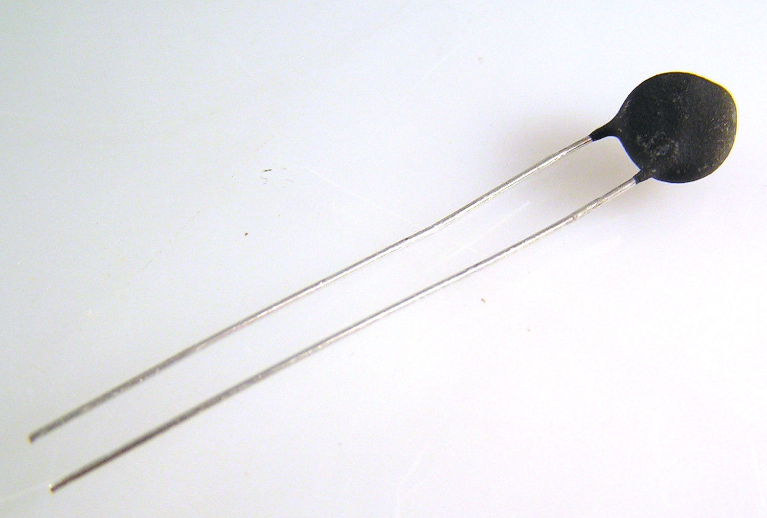 Ametherm Thermistors SL08 20002 Current Limiter Inrush 20Ohm 2A 5 Pieces OM0089A