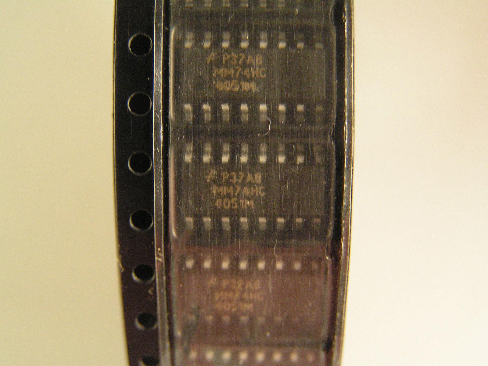 Harris 74HC4051M Analog Multiplexer Switch Surface Mount SOIC16 2 pcs  MBH013b