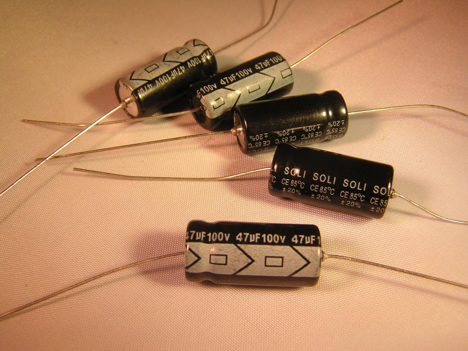 5x Condensateur électrolytique chimique 22µF 100V THT 85°C 2000h Ø8x16mm axial