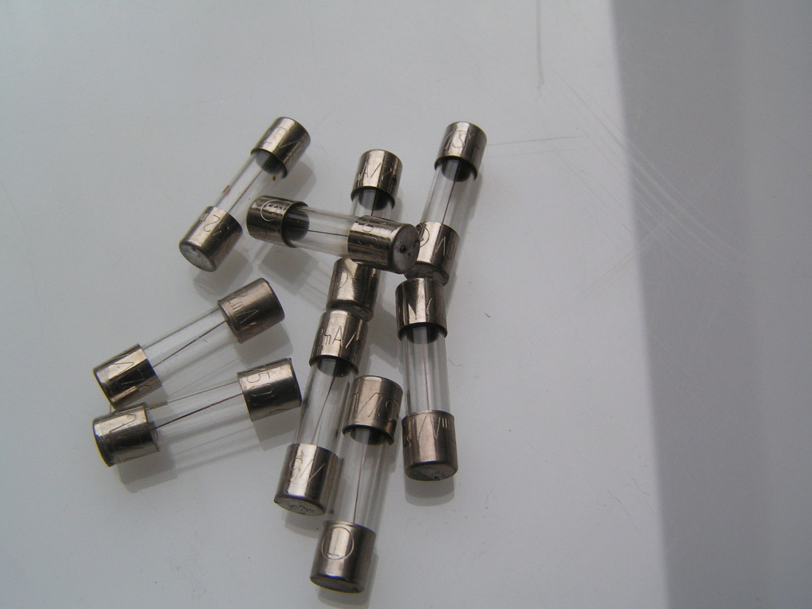 """Fuse 20 mm Glass 800 Ma  Anti-surge Slow blow /""""T/"""" Pack Of 10 Fuses"""