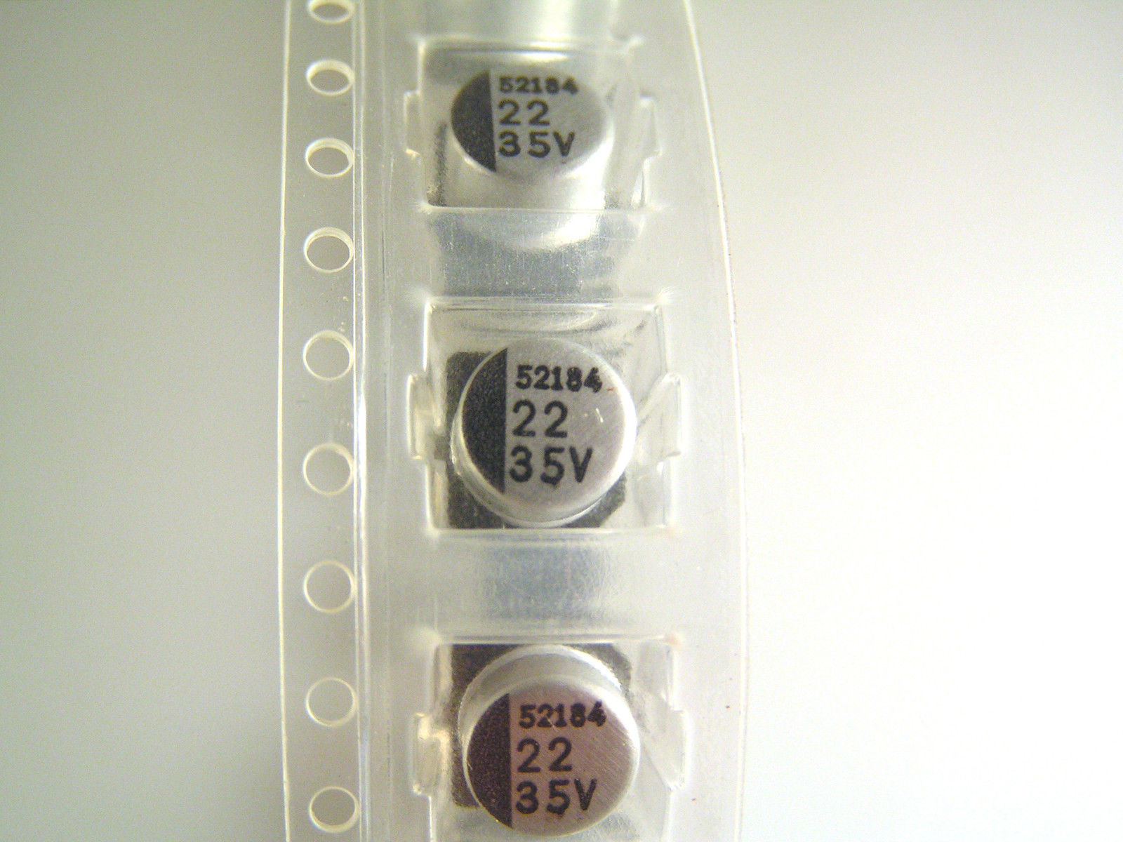 25 pcs 22uf  35v   electrolytic capacitors